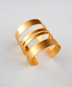 Wide striped gilt bracelet