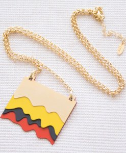 Colorful wave chain