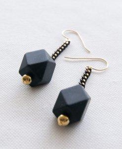 עגילי מולקולה צבעונית שחור זהב